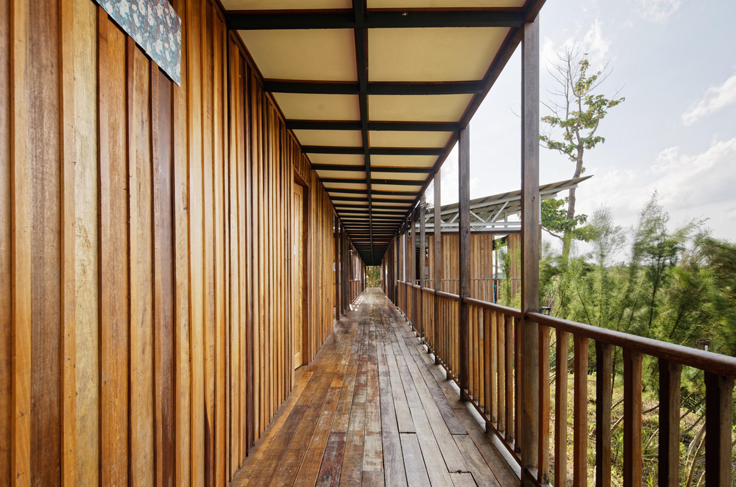 Etania Green School - Architecture BRIO verandah