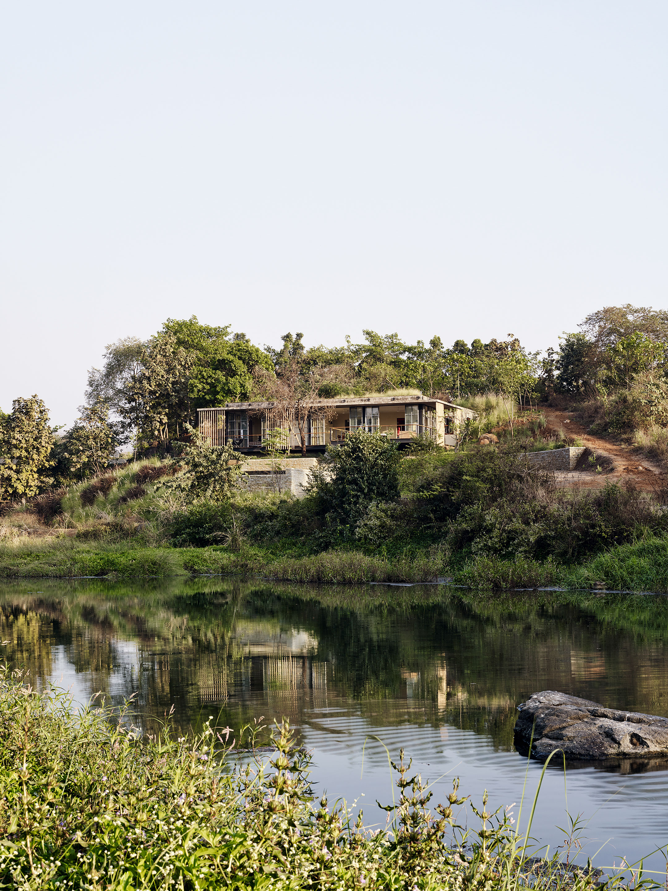 "Riparian house in Karjat - weekend house on river from ""the World's Most Extraordinary Homes"""