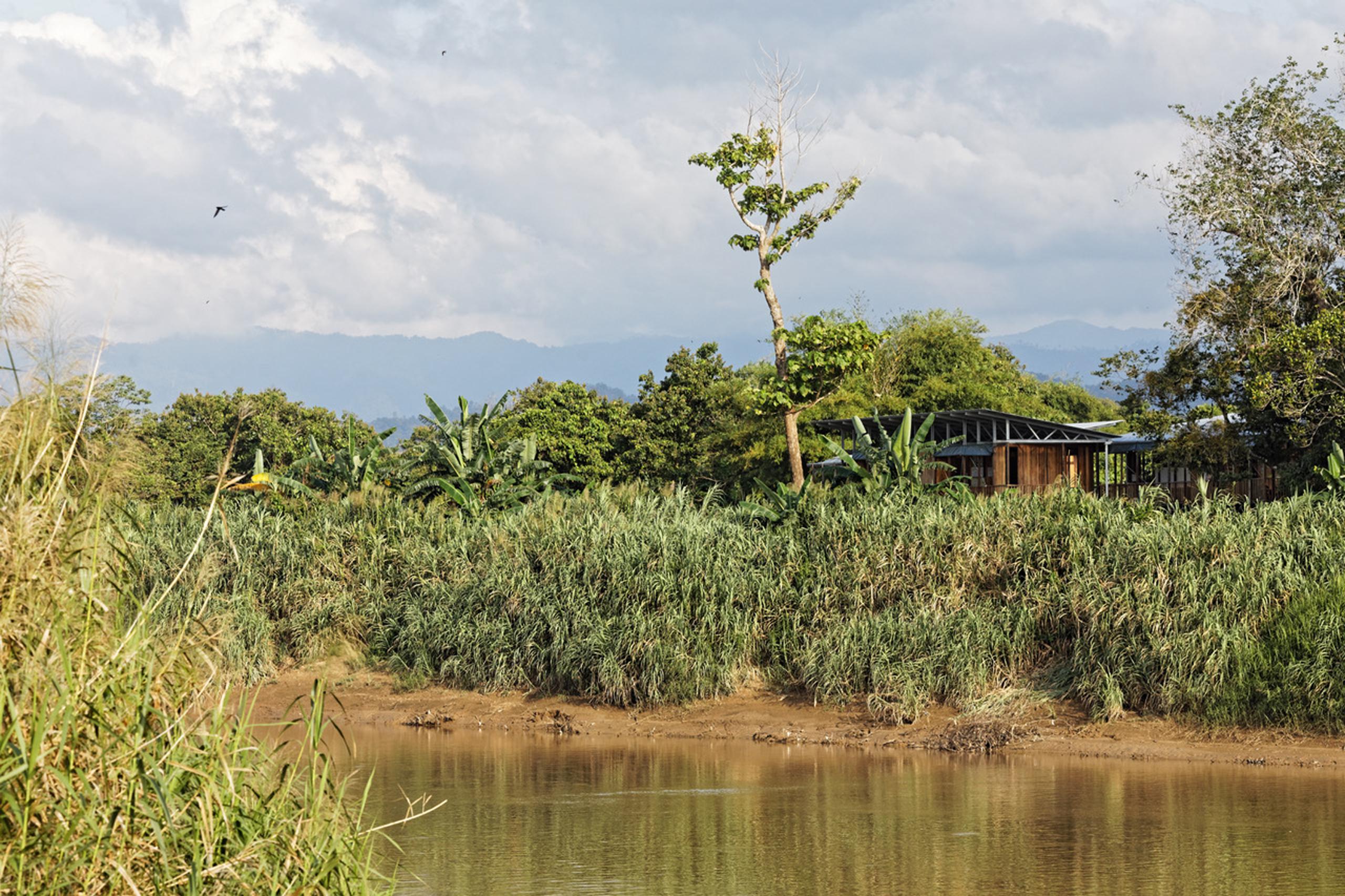 Etania green school river front