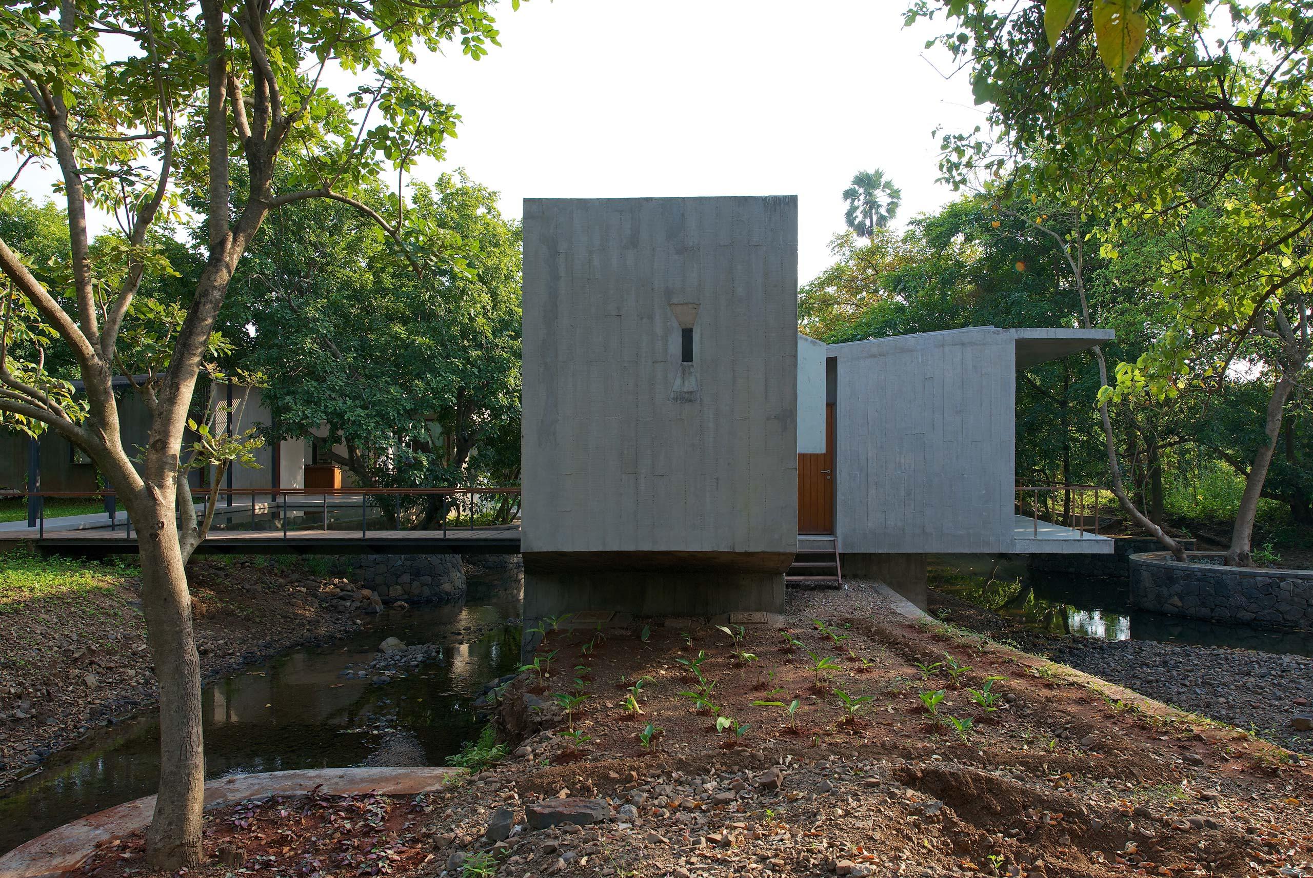 Cantilevered Pavilion
